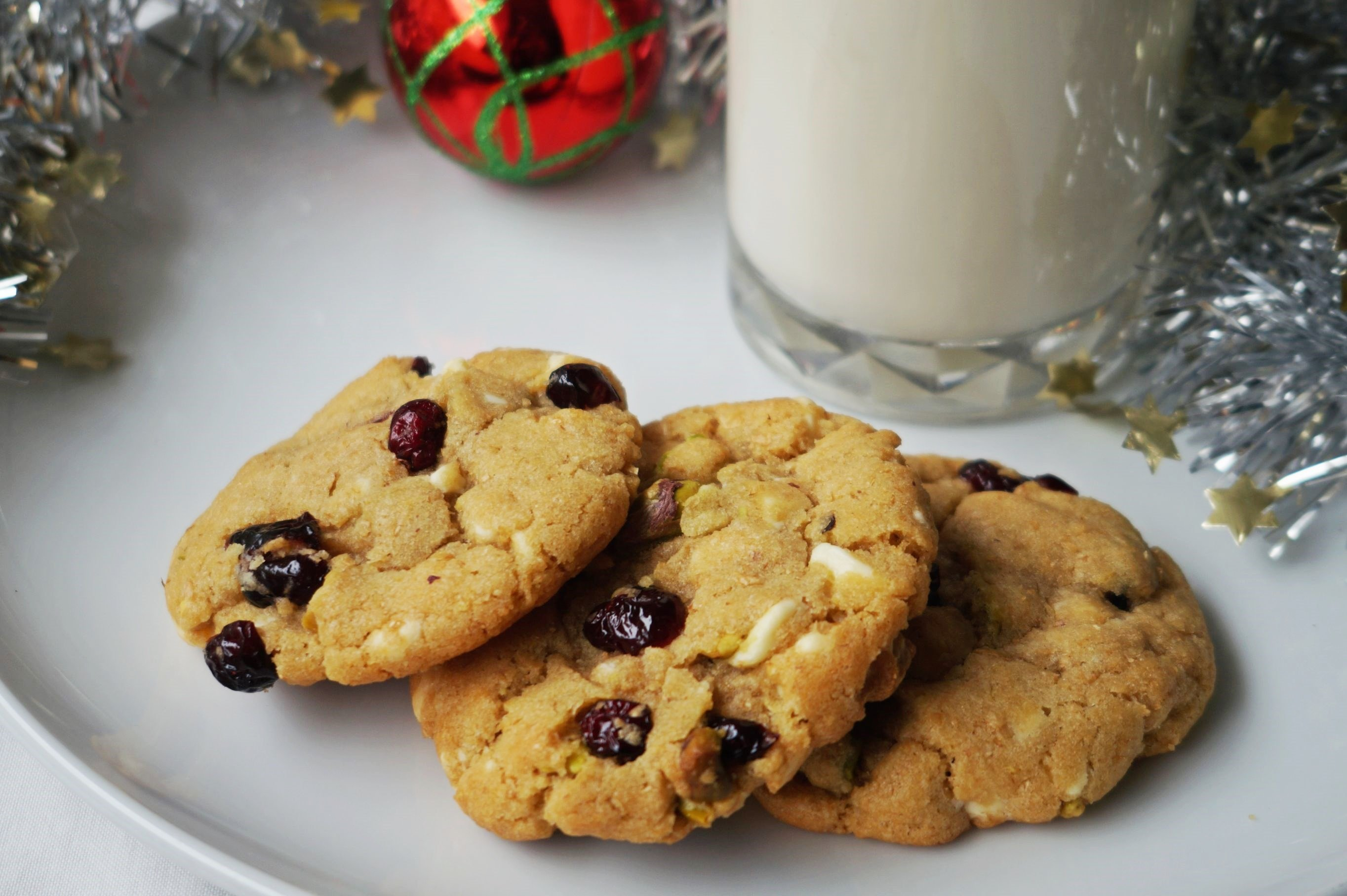 White Chocolate, Cranberry and Pistachio Cookies